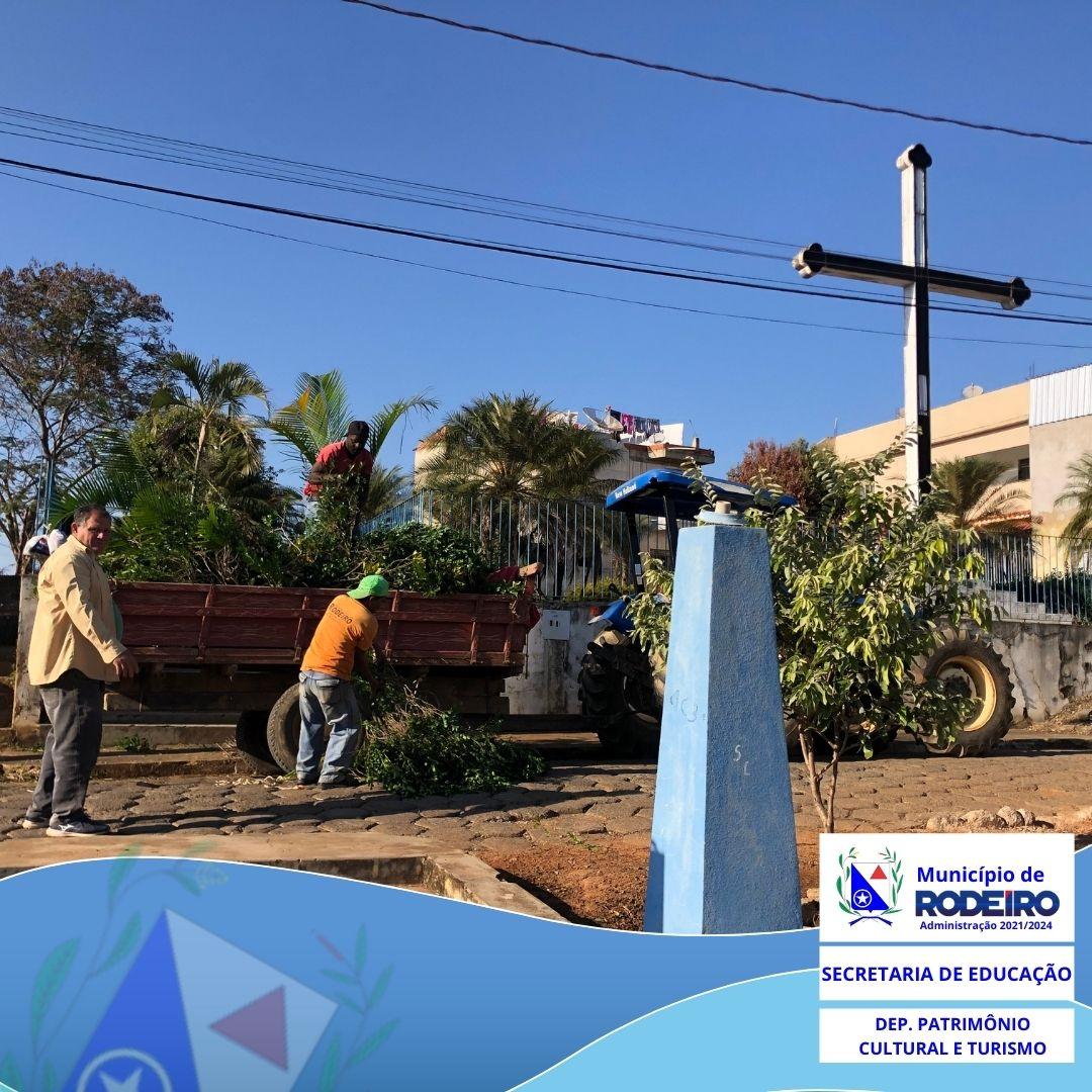 Início da manutenção no Conjunto Paisagístico da Escadaria do Cruzeiro